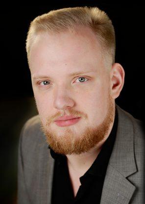 Ian Koziara, tenor